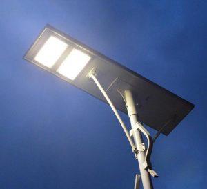 Tampilan lampu jalan 90 watt tenaga surya
